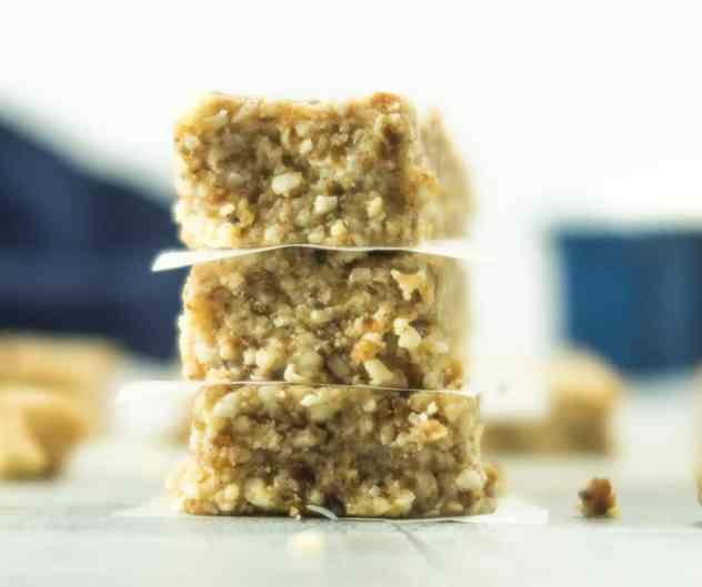 Homemade Cashew Almond Larabars (Vegan & Gluten Free)