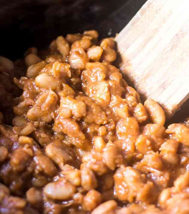 Slow Cooker Maple Baked Beans