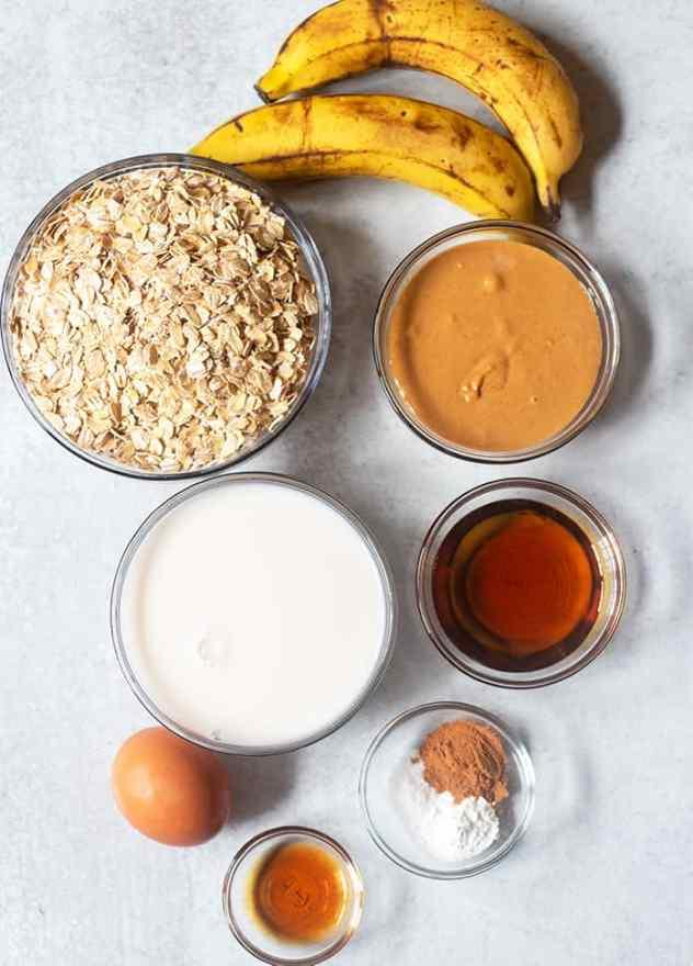 oatmeal, bananas, peanut butter, almond milk, maple syrup, vanilla extract, egg, cinnamon