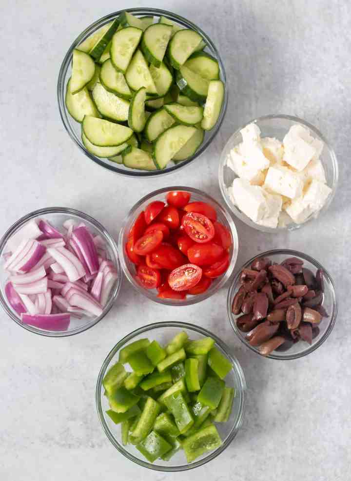 ingredients that goes into greek salad