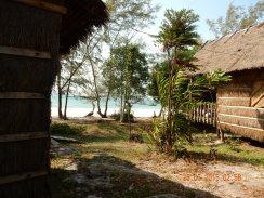 cambodia-kohrong-monkeyisland-2