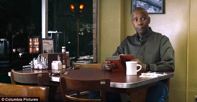 denzel-washington-the-equalizer-reading