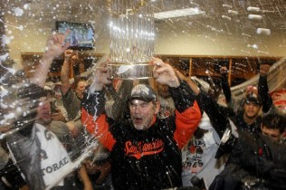 Giants manager Bruce Bochy with the World Series trophy!
