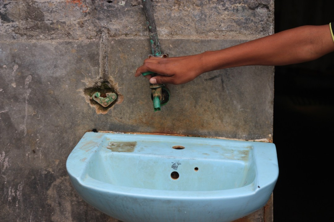 One of the kids showed me the tap that sometimes works