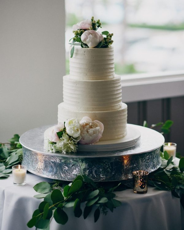 Wedding cake Bluewater Grill -Stephen Tang Photo