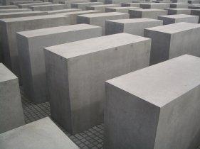 Holocaust Memorial by Peter Eisenman 12_Stephen Varady Photo