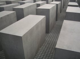 Holocaust Memorial by Peter Eisenman 13_Stephen Varady Photo