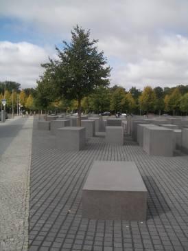 Holocaust Memorial by Peter Eisenman 47_Stephen Varady Photo