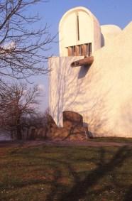 ronchamp-chapel-by-le-corbusier-43_stephen-varady-photo