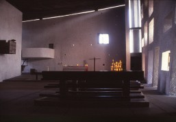 ronchamp-chapel-by-le-corbusier-52_stephen-varady-photo