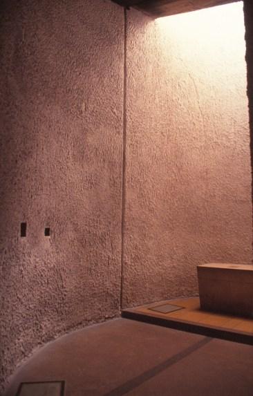ronchamp-chapel-by-le-corbusier-65_stephen-varady-photo