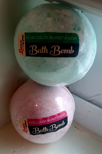 Sparkle and Shine with Glam Bomb Bath Bomb By Mr. Bubble