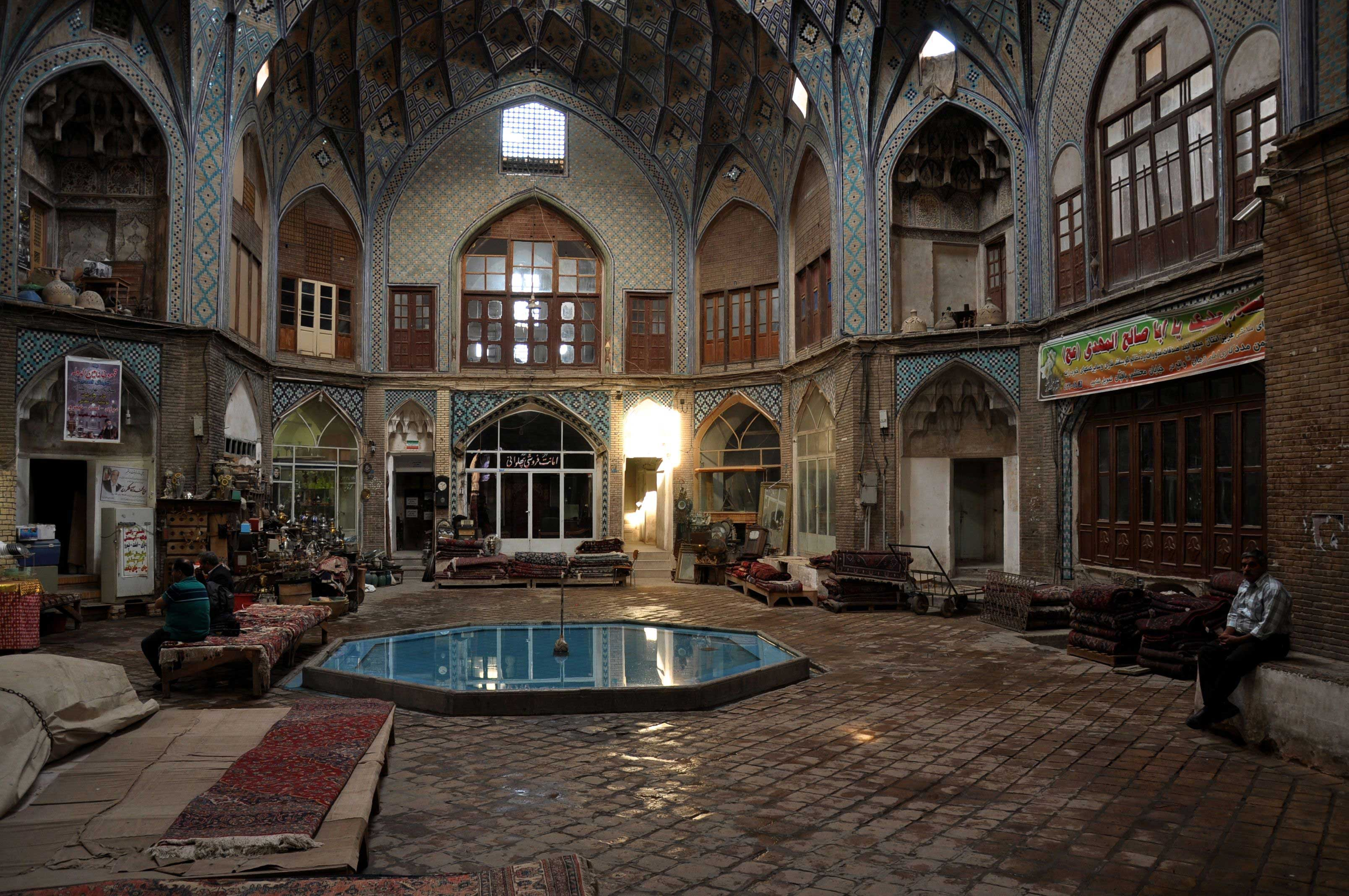 Wandering through Kashan Bazaar