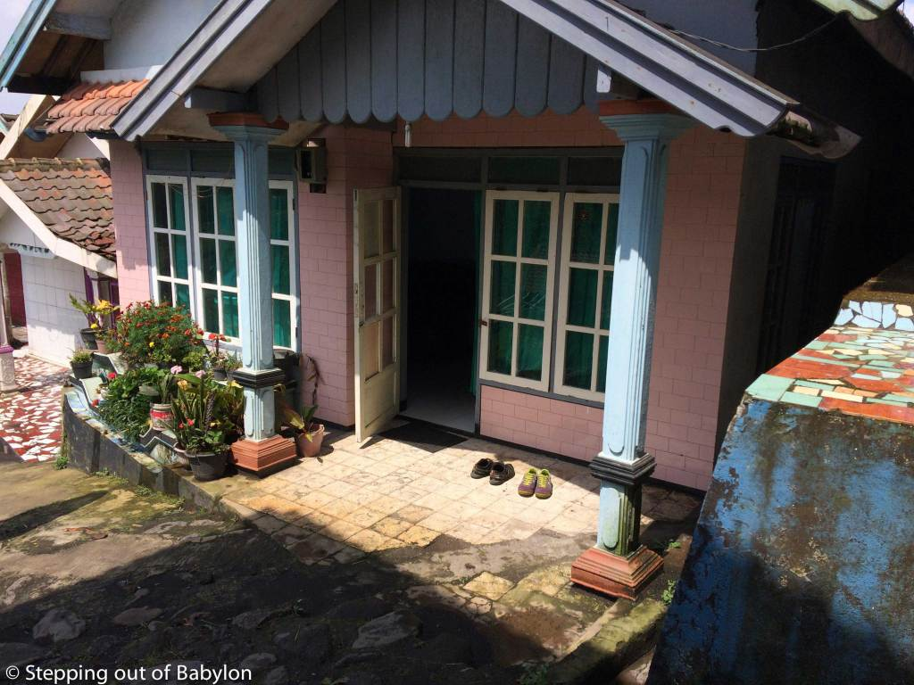 Cemoro Lawang... one of the local houses that are rented to the tourist