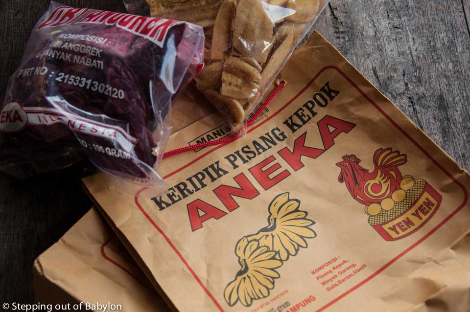 Kiripik is a typical Indonesian snack; a kind of chips made from banana, cassava, sweet potato or even jackfruit... and apparently Bandar Lampung is famous for the Kiripik.