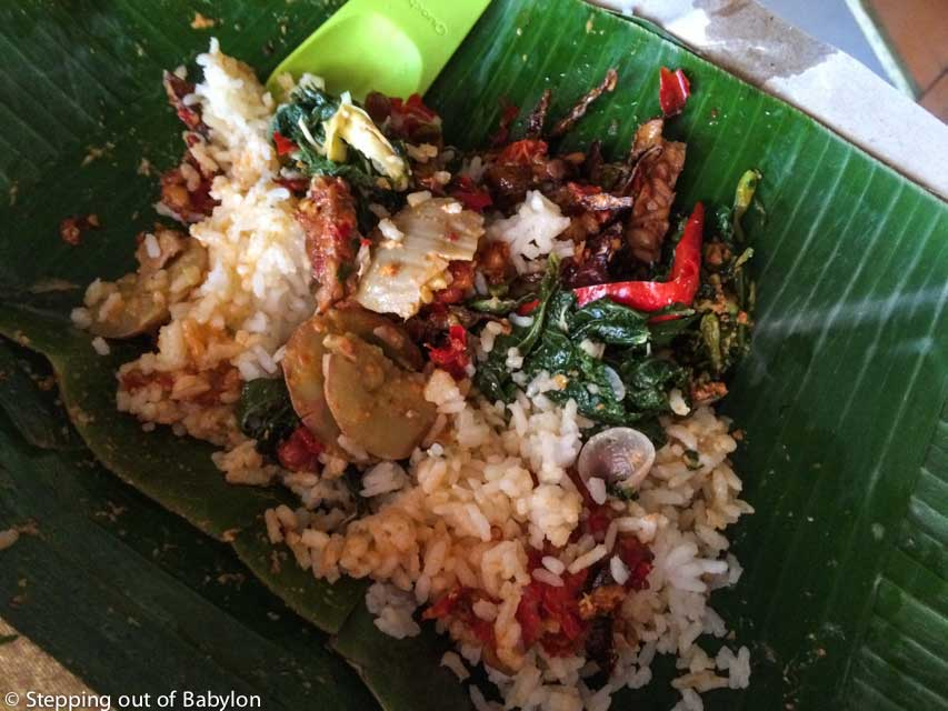 The takeaway system, locally called bungkus is always available at Masakan Padang eateries and is very popular with the locals, with the food wrap in banana leaf
