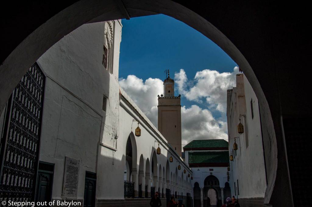 entrance of the Moulay Idriss mausoleum
