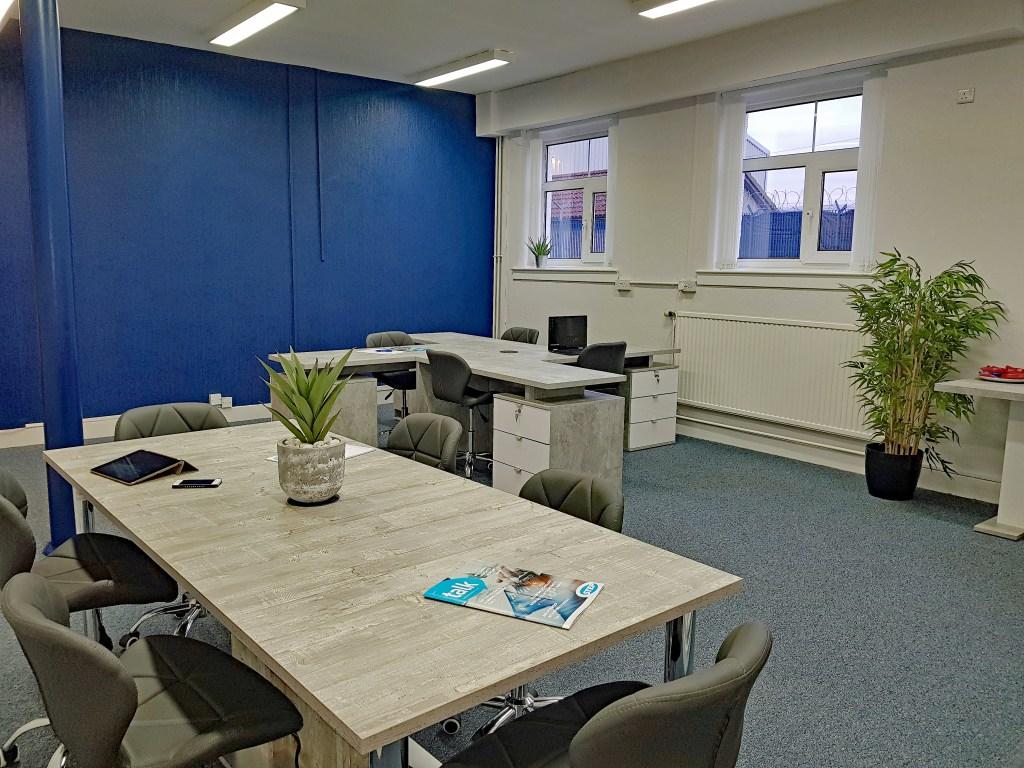 Hot Desking Co working Desk Space Stirling