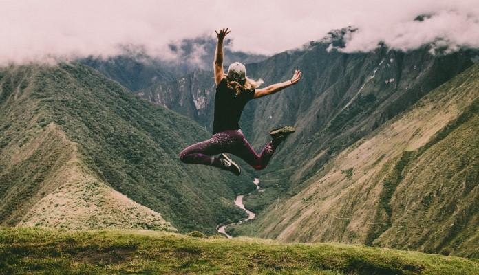 Girl Jumping 696 x 400
