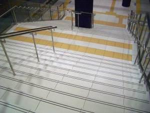 阪神「京セラドーム前」駅 階段(プレ加工)