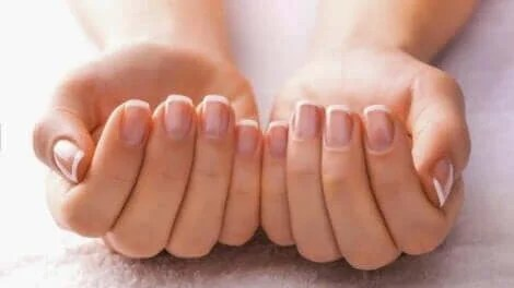 6 Remedies To Treat Yellow, Thick Nails