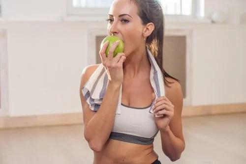 Coma frutas e legumes crocantes