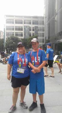 image of Marnie and Chris volunteering at LA17WPFG