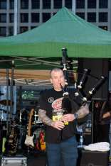 image of steve playing bagpipes for the big climb in dallas