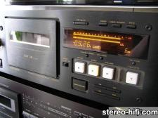 TEAC V-8030S right side view
