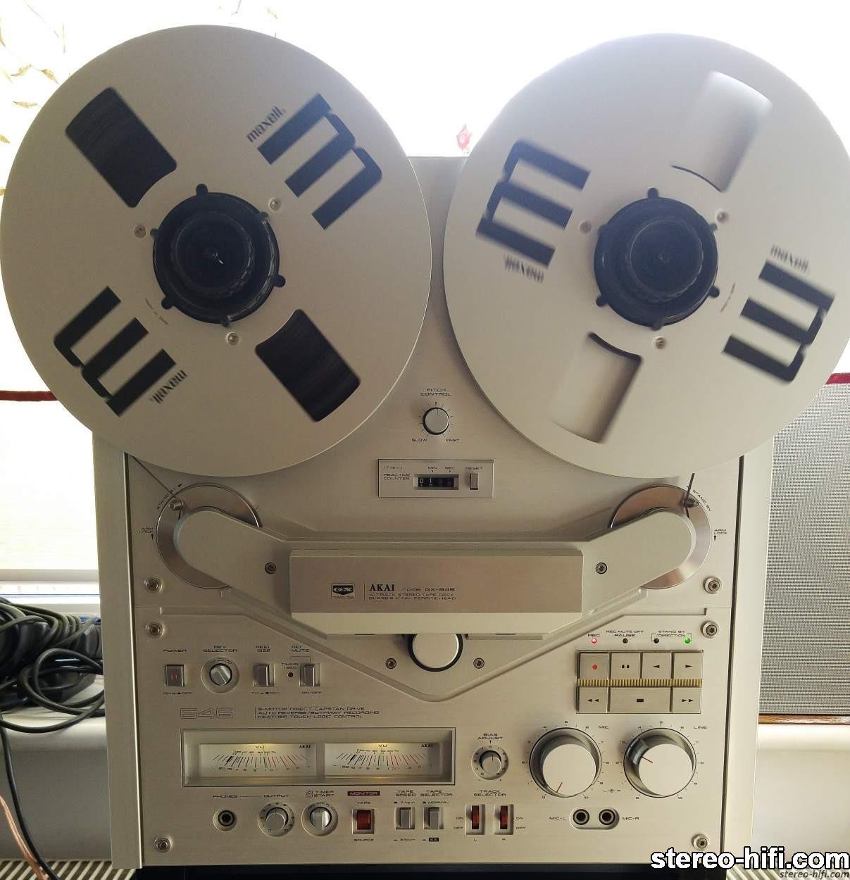Akai GX-646 front