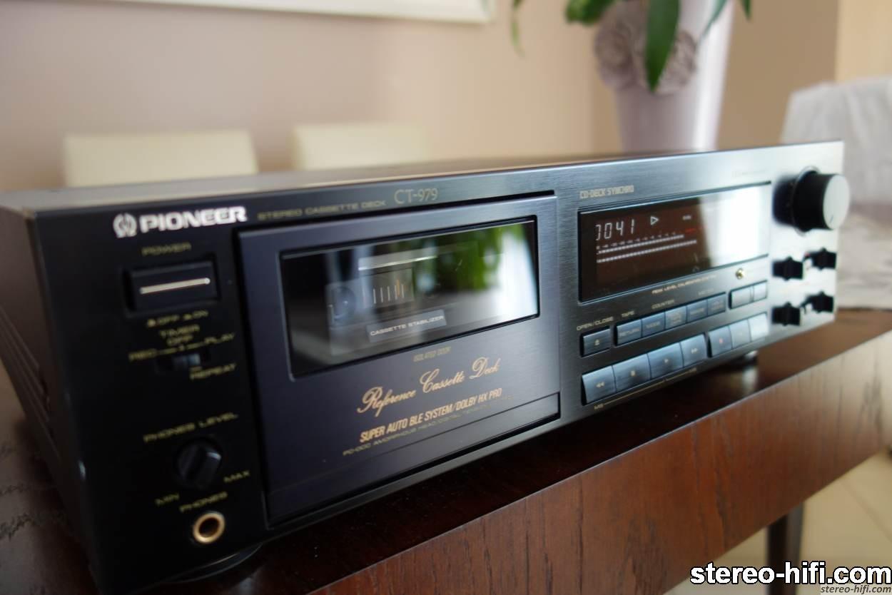 Pioneer CT-979 front w ujęciu 'artystycznym'