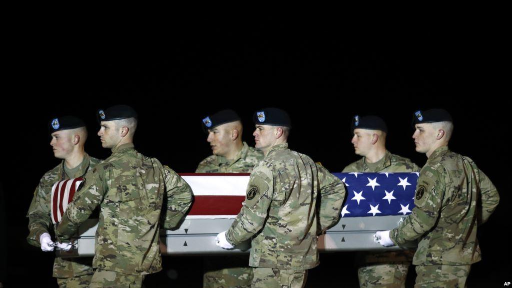 Mueren tres estadounidenses en explosión