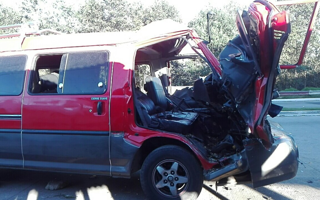 Maestras se accidentan en Chupol