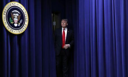 Trump presiona a demócratas y advierte que un cierre de gobierno podría durar «mucho tiempo»