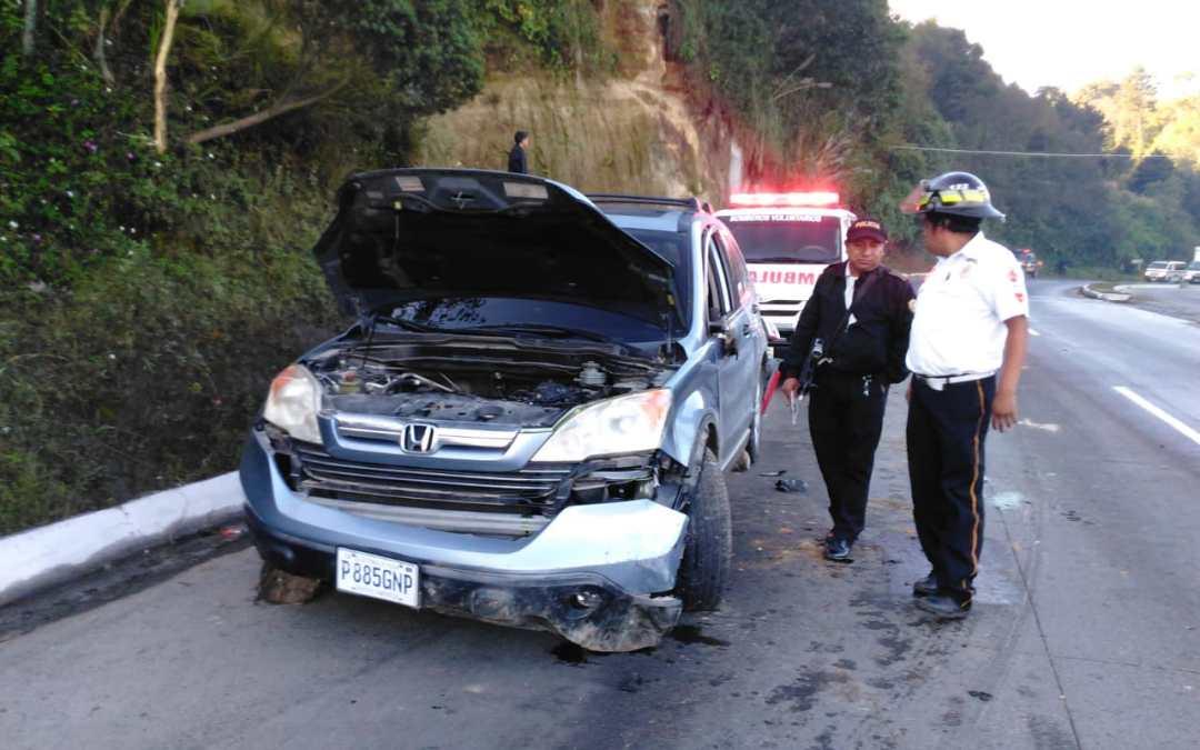 Familia viajaba hacia la capital cuando el vehículo en que iba volcó