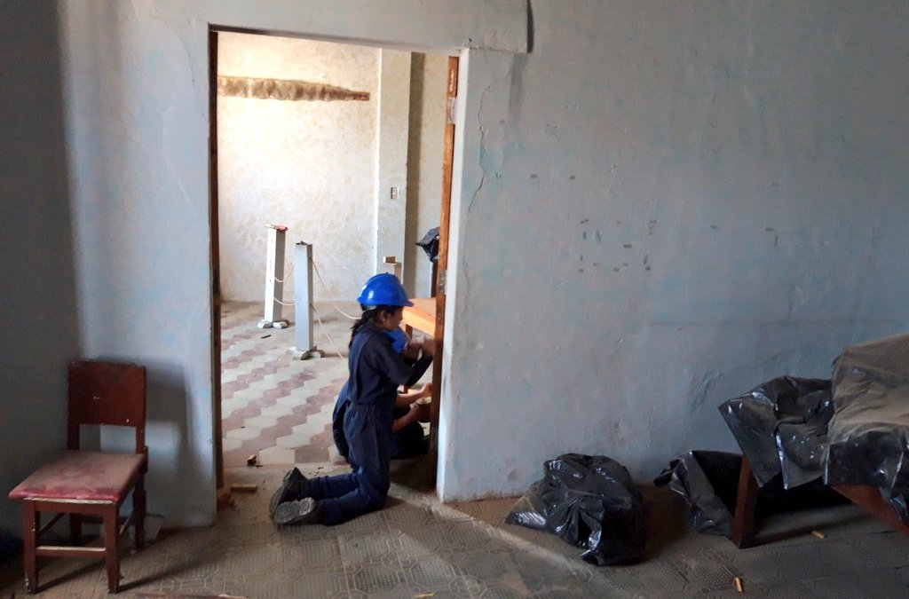 Estudiantes restauran infraestructura municipal