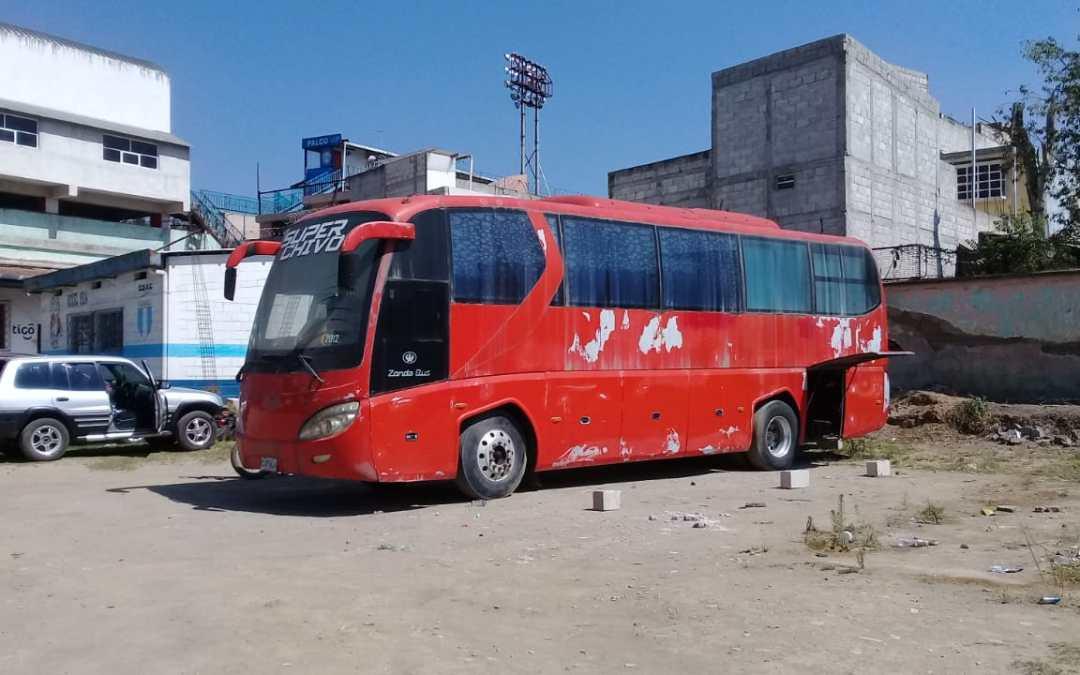 Esto pasó con el Chivo Bus hoy en el estadio Mario Camposeco