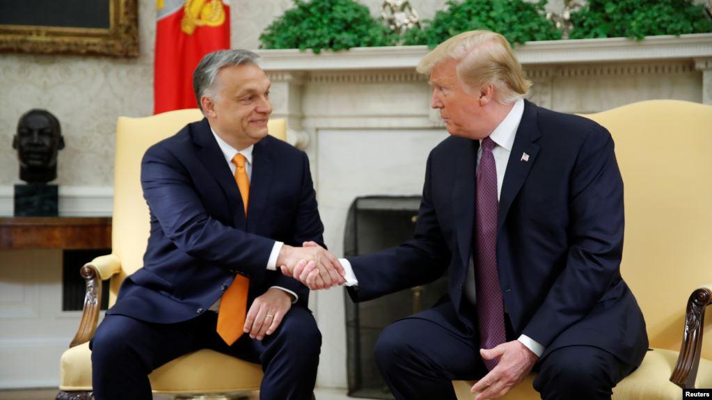 Trump elogia política de línea dura de inmigración de Hungría