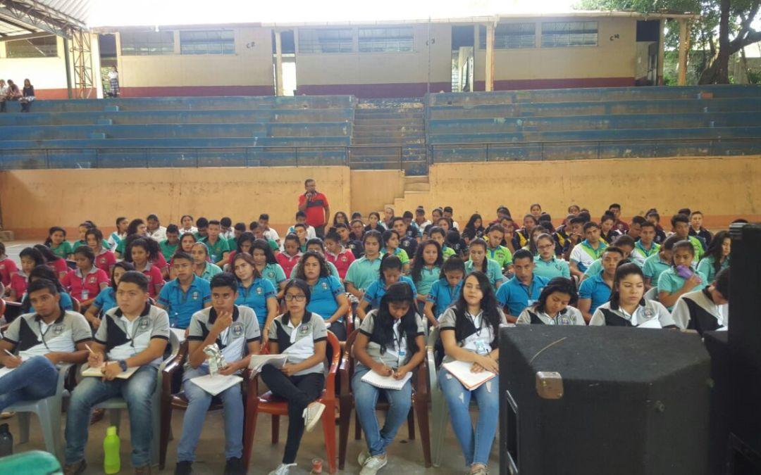 Quetzaltenango: Buscan evitar que jóvenes se vean involucrados en accidentes