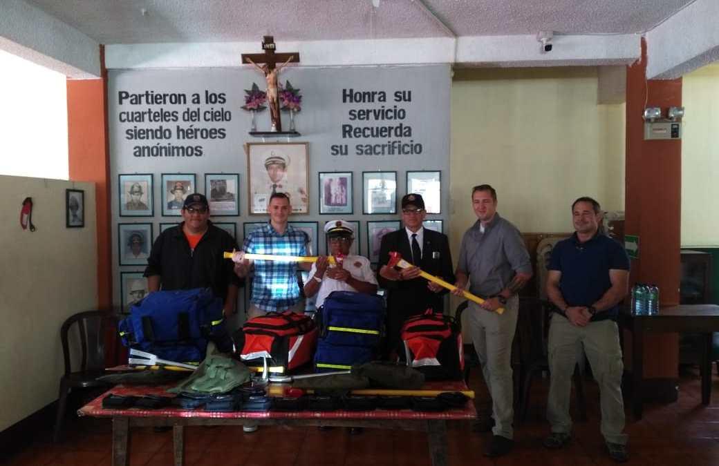 Bomberos reciben donativo del extranjero