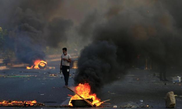 Protestas por corrupción y falta de trabajo se extienden en Irak en medio de una fuerte represión