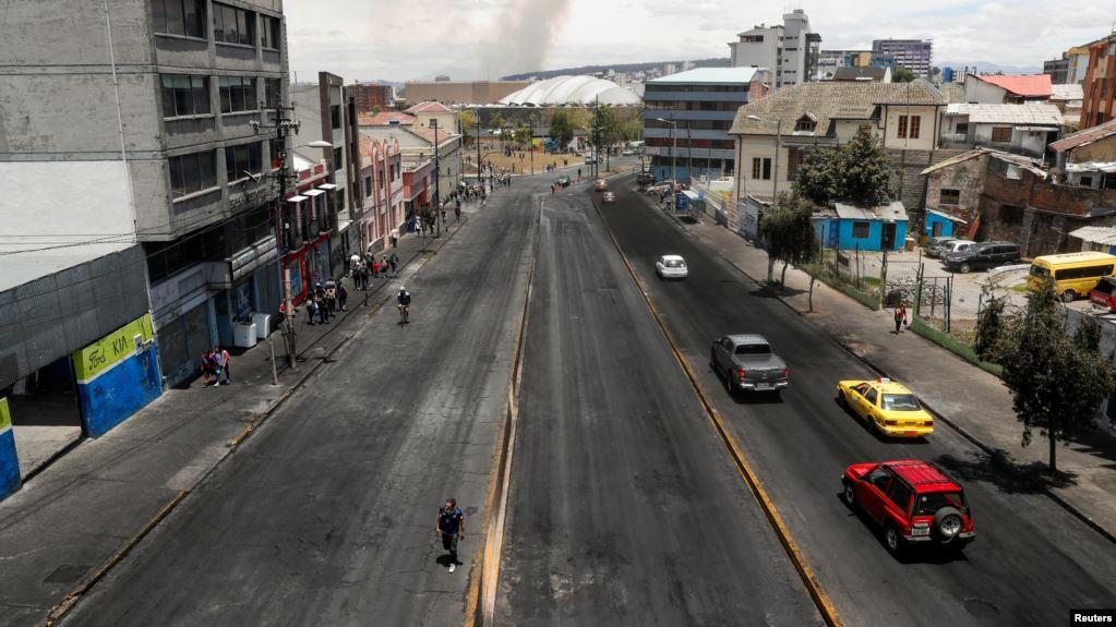 Ecuador vuelve a la calma con precios de combustible y tarifas del transporte previos a las protestas