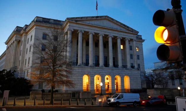 Investigación sobre juicio político a Trump pasa a Comisión Judicial de la Cámara