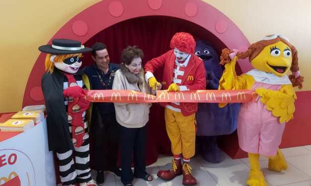 Por 40 años de Cajita Feliz inauguran museo de McDonald's en Xela