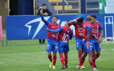 Xelajú comienza a recuperarse en las posiciones. Con doblete de Silva le gana al Deportivo Achuapa.