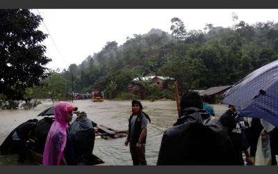 Personas atrapadas a causa de inundaciones en Cobán, Alta Verapaz
