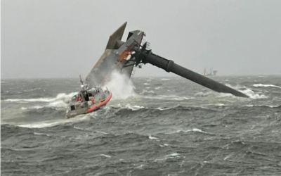 Se hundió un barco grúa frente las costas de Louisiana