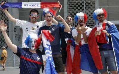 Aficionados de Francia confunden Budapest con Bucarest y terminan viendo el juego de su selección por televisión
