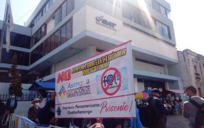 Protestan en Quetzaltenango por implementación de factura electrónica