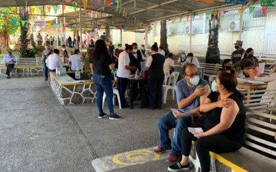 Guatemaltecos que iban a Chiapas para vacunarse terminan arrestados y afirman que regresaron contagiados